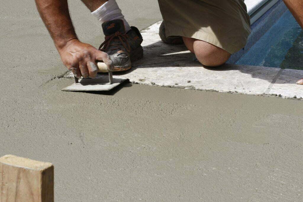 Artık betonu temizlemek için sıvı